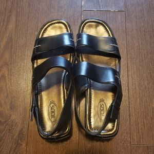 Tod's Gommino Leather Sandals